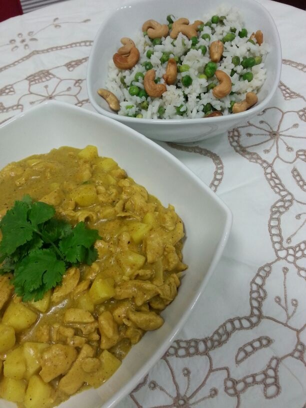 Frango ao curry com maçãs
