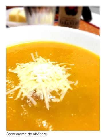 sopa creme de abóbora e linguicinha
